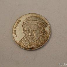 Medallas históricas: LUIS VIVES MONEDA EN PLATA DE LEY. Lote 206416338