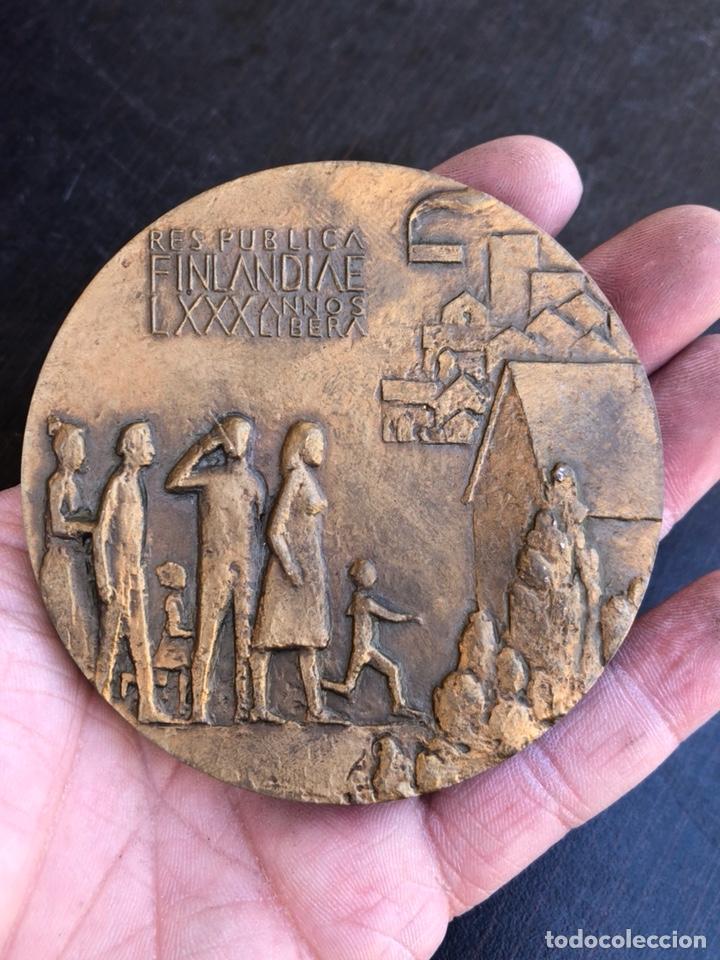 Medallas históricas: Bonita medalla finlandesa conmemorativa gran tamaño - Foto 3 - 207896898