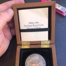 Medallas históricas: BONITA MEDALLA DE PLATA REPRODUCIENDO UN COLUMNARIO. Lote 208647502