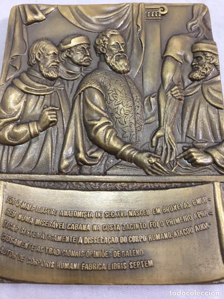 Medallas históricas: Medalla de mano placa de bronce André Vesálio. Cabral Antunes Portugal gran calidad numerada 351/750 - Foto 5 - 210061915