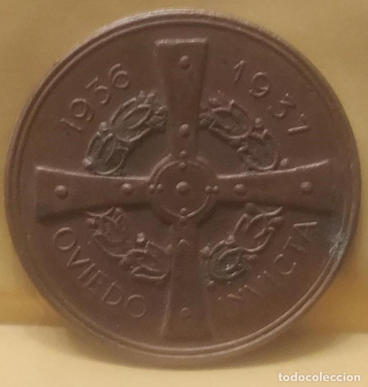 Medallas históricas: ASTURIAS MEDALLA DE MANO POR LA DEFENSA DE OVIEDO 1936-1937 GUERRA CIVIL.ORIGINAL*MILITAR-HISTÓRICA* - Foto 2 - 211614659