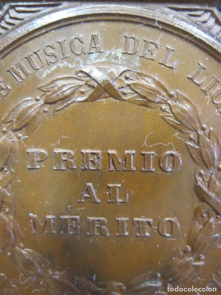 Medallas históricas: MEDALLA DE 1ª CLASE. CONSERVATORIO DE MÚSICA DEL LICEO DE YSABEL II, BARCELONA 5,6 X 4,2 CM. - Foto 4 - 213477608