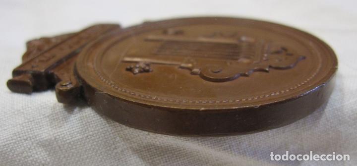 Medallas históricas: MEDALLA DE 1ª CLASE. CONSERVATORIO DE MÚSICA DEL LICEO DE YSABEL II, BARCELONA 5,6 X 4,2 CM. - Foto 5 - 213477608