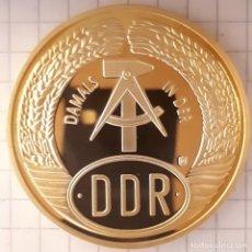 Medallas históricas: MEDALLA CONMEMORATIVA DE LA CAIDA DEL MURO DE BERLIN. Lote 215833765