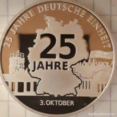 Medallas históricas: MEDALLA CONMEMORATIVA DE LOS 25 AÑOS DE LA UNIFICACION DE ALEMANIA. Lote 215835196