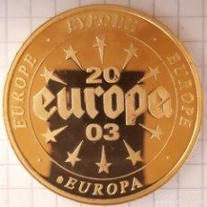 Medallas históricas: MEDALLA EUROPA CON BILLETE DE PORTUGAL. Lote 215836623
