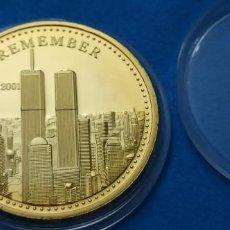 Médailles historiques: MONEDA CONMEMORATIVA RECUERDO 11 SEPTIEMBRE 2001 TORRES GEMELAS, POR LOS HEROES. Lote 216830326