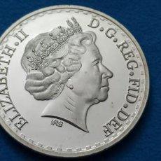 Medallas históricas: WR HARRY Y MEGHAN BODA FAMILIA REAL BRITÁNICA COLECCIÓN MEMORIAL MONEDA DE METAL CHAPADO PLATA. Lote 216830365