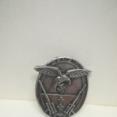 Médailles historiques: RARO DISTINTIVO DE LA LUFTWAFFE FLAK ARTILLERÍA DANZIG, ALEMÁNIA IIGUERRA MUNDIAL, MIDE 4,5 X 3,8. Lote 217114173