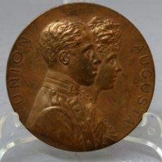 Medallas históricas: MEDALLA CONMEMORATIVA DE LA BODA DE ALFONSO XIII Y VICTORIA EUGENIA 31 DE MAYO DE 1906. Lote 219299830