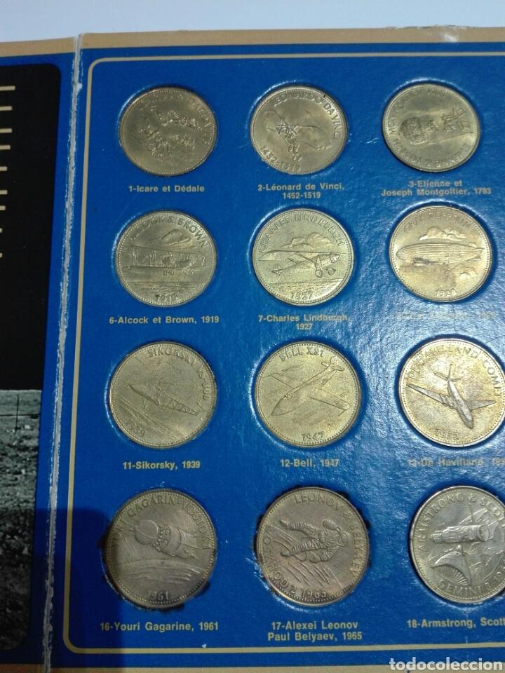 Medallas históricas: MEDALLAS FICHA SHELL 1969 COLECCION COMPETA LA EPOCA DEL ESPACIO. 20 UNIDADES Y EXPOSITOR - Foto 2 - 222193161