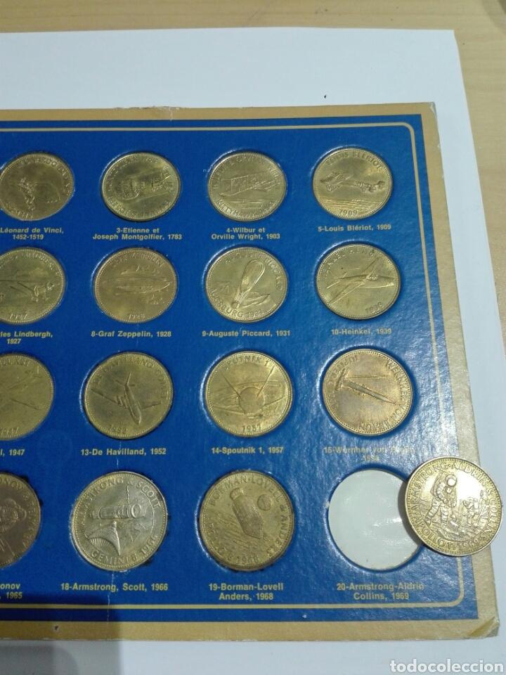Medallas históricas: MEDALLAS FICHA SHELL 1969 COLECCION COMPETA LA EPOCA DEL ESPACIO. 20 UNIDADES Y EXPOSITOR - Foto 3 - 222193161