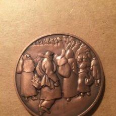 Medallas históricas: MEDALLA DE COBRE HOMENATGE A L'EXILI GENERALITAT DE CATALUNYA NOVEMBRE 2002 - 6 CM.. Lote 222546050