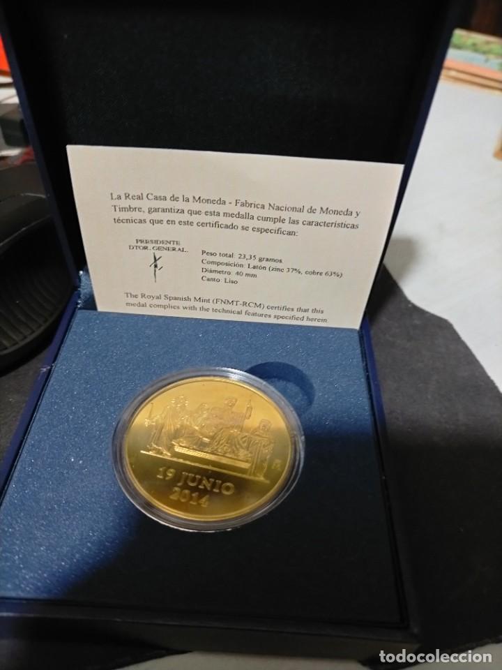 FELIPE VI PROCLAMACION MEDAL 2014- 4 CTMS. 23.35 GRMS RARA (Numismática - Medallería - Histórica)