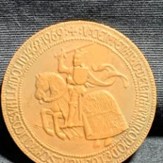 Medaglie storiche: MEDALLA COBRE 14691969 V CENTENARIO MATRIMONIO REYES CATOLICOS ISABEL FERNANDO VALLADOLID 35MM. Lote 233475755