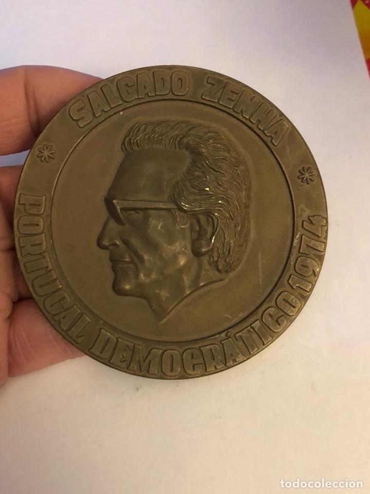Medallas históricas: Antigua medalla de bronce portuguesa a clasificar, gran tamaño - Foto 2 - 234547705