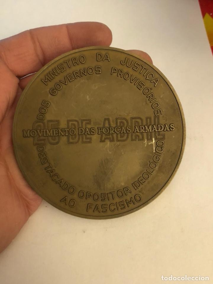 Medallas históricas: Antigua medalla de bronce portuguesa a clasificar, gran tamaño - Foto 3 - 234547705