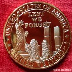 Medallas históricas: MONEDA ORO RECUERDO 911 TORRES GEMELAS NO PODEMOS OLVIDAR. Lote 236020515