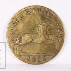 Medallas históricas: TOKEN / FICHA MONETARIA ALEMANA DE LATÓN - IMMER NEU UND NICHT ALT JETTON / FRISCH MIT GEWALT 1802. Lote 237307980