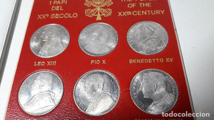 Medallas históricas: CARPETA SOUVENIR CITTA DEL VATICANO ROMA CASTELGANDOLFO AÑO 1983-84, 9 MONEDAS DIFERENTAN PAPAS - Foto 3 - 237627790