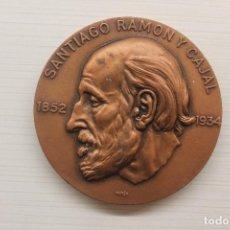 Medallas históricas: MEDALLA SANTIAGO RAMÓN Y CAJAL, 1852-1934, PARÉS CELADA, BRONCE, 8 CM DE DIÁMETRO. Lote 238665155