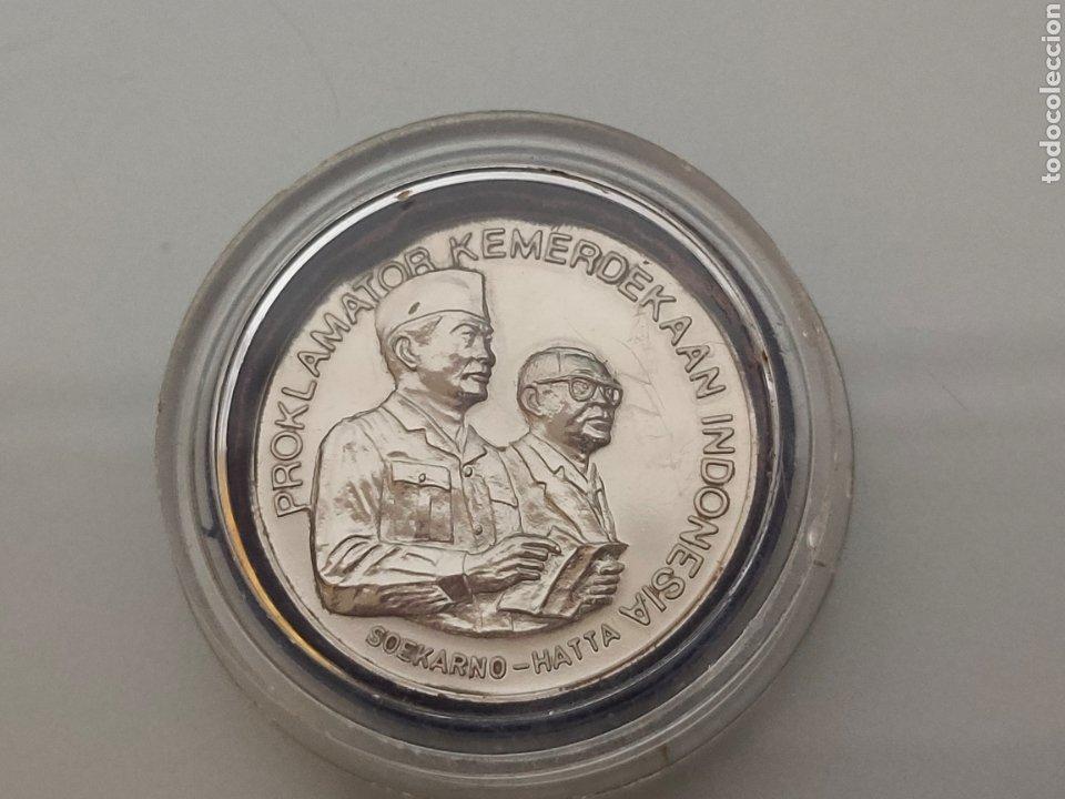 Medallas históricas: ANTIGUA MONEDA/MEDALLA DECLARACIÓN DE INDEPENDENCIA INDONESIA 17-8-1945 SOEKARNO HATTA - Foto 3 - 242225915