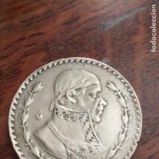 Medallas históricas: COLGANTE MONEDA DE PLATA MEXICANA ANTIGUA 1967 PESO DE PLATA MEXICANO (MORELOS).. Lote 243990635