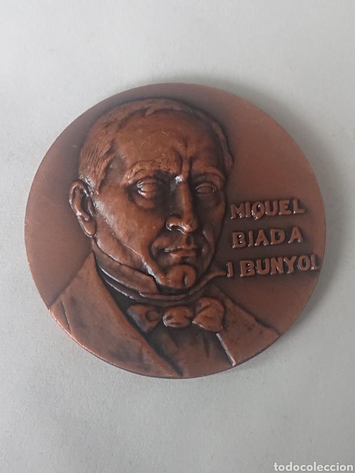 MEDALLA MIQUEL BIADA I BUNYOL EXPOSICION CIRCULO FILATELICO Y NUMISMATICO SANTS HOSTAFRANCHS (Numismática - Medallería - Histórica)