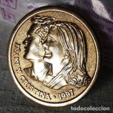 Medallas históricas: MEDALLA CONMEMORATIVA DE LA BODA DE CRISTINA E IÑAKI EN BARCELONA EN 1997. Lote 246542080