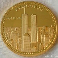 Medaglie storiche: MONEDA ORO RECUERDO 11 DE SEPTIEMBRE DE 2001 911 TORRES GEMELAS, CON LA PALABRA AMERICA HEROES. Lote 248267805