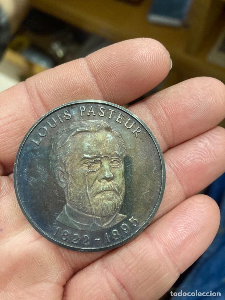 MEDALLA DE PLATA PURA LOUIS PASTEUR (Numismática - Medallería - Histórica)