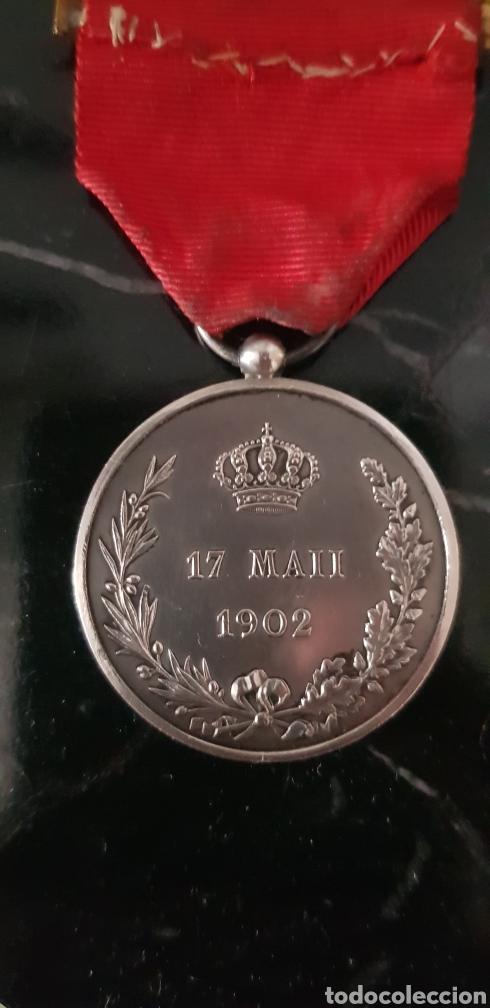 Medallas históricas: Medalla conmemorativa de la mayoría de edad de Alfonso XIII en plata - Foto 4 - 252177825