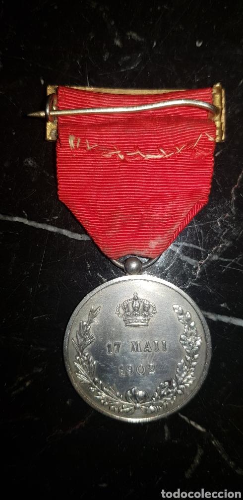 Medallas históricas: Medalla conmemorativa de la mayoría de edad de Alfonso XIII en plata - Foto 5 - 252177825