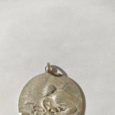 Medallas históricas: MEDALLA DE FERIA AUTOMÓVIL 1925..PLATA. Lote 252502660