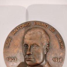 Medallas históricas: GRAN MEDALLA DE BRONCE A JOSE ANTONIO PRIMO DE RIVERA 1903-1936 -FUNDADOR DE LA FALANGE-. Lote 255420980