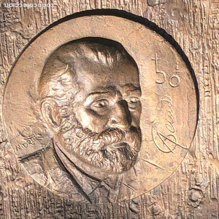 Medallas históricas: GRAN PLACA DE BRONCE, ANTONIO GAUDI CORNET, REUS - BARCELONA, 50 ANIVERSARIO, 2.160 gramos - Foto 3 - 255502850