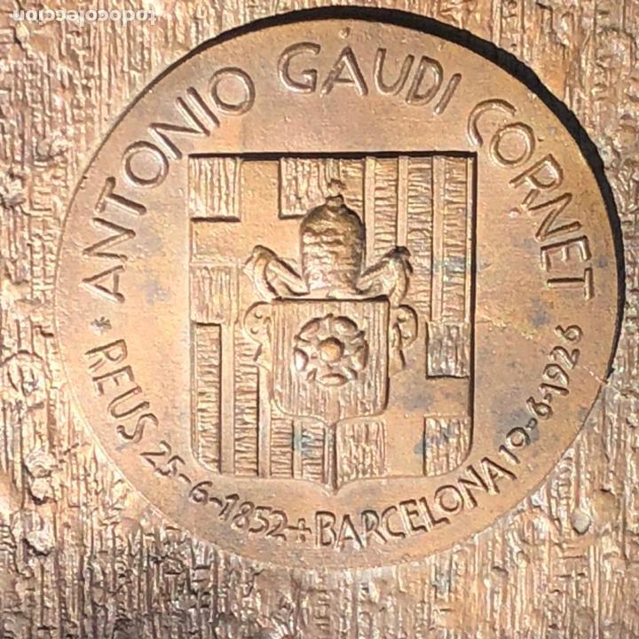 Medallas históricas: GRAN PLACA DE BRONCE, ANTONIO GAUDI CORNET, REUS - BARCELONA, 50 ANIVERSARIO, 2.160 gramos - Foto 7 - 255502850