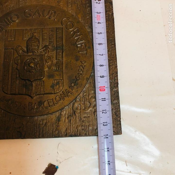 Medallas históricas: GRAN PLACA DE BRONCE, ANTONIO GAUDI CORNET, REUS - BARCELONA, 50 ANIVERSARIO, 2.160 gramos - Foto 10 - 255502850