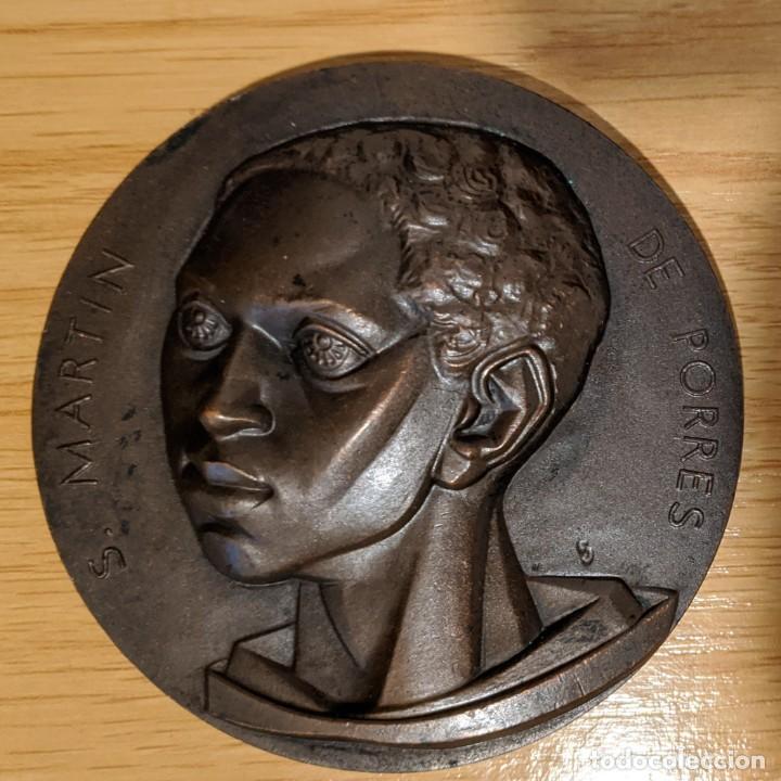 Medallas históricas: Medalla bronce San Martín Porres de Fernando de Jesus Secretariado Martín de Porres Palencia - Foto 2 - 257301780