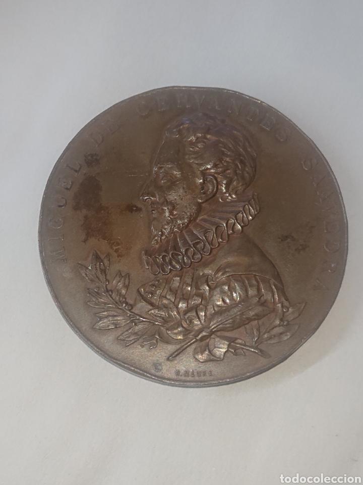 MEDALLA MIGUEL DE CERVANTES SAAVEDRA III CENTENARIO DE LA PUBLICACION DEL QUIJOTE 1605-1905 (Numismática - Medallería - Histórica)