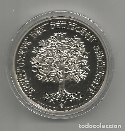 Medallas históricas: ALEMANIA - MEDALLA DE 1 OZ CU-NIQUEL- PROOF - RECONSTRUCCIÓN DE LA IGLESÍA DE MUJERES DRESDEN, NUEVA - Foto 2 - 267809649