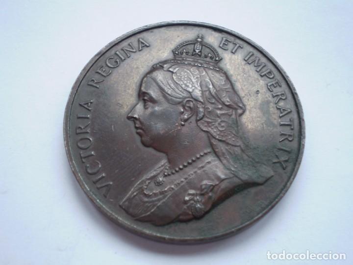 76SCD14 GRAN BRETAÑA 1897 JUBILEO DE DIAMANTES DE LA REINA VICTORIA MEDALLA DE BRONCE (Numismática - Medallería - Histórica)