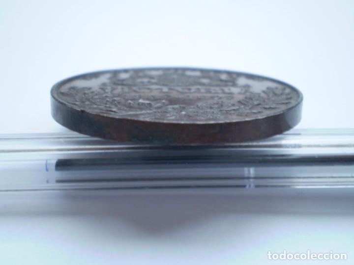 Medallas históricas: 76SCD14 Gran Bretaña 1897 Jubileo de Diamantes de la Reina Victoria medalla de bronce - Foto 6 - 269982353