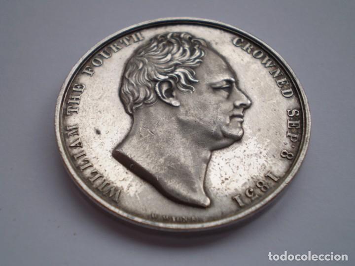 Medallas históricas: 65SCD14 Gran Bretaña 1831 Coronación de William IV y Adelaida medalla oficial de la Royal Mint - Foto 3 - 269982598