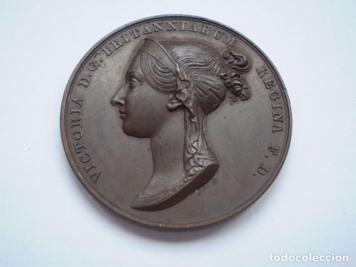 19SCE14 GRAN BRETAÑA MEDALLA OFICIAL DE LA ROYAL MINT CORONACIÓN VICTORIA 1838 POR B. PISTRUCCI (Numismática - Medallería - Histórica)