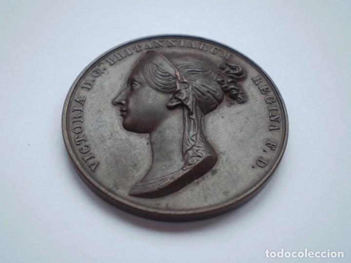 Medallas históricas: 19SCE14 Gran Bretaña medalla oficial de la Royal Mint Coronación Victoria 1838 por B. Pistrucci - Foto 3 - 272132523