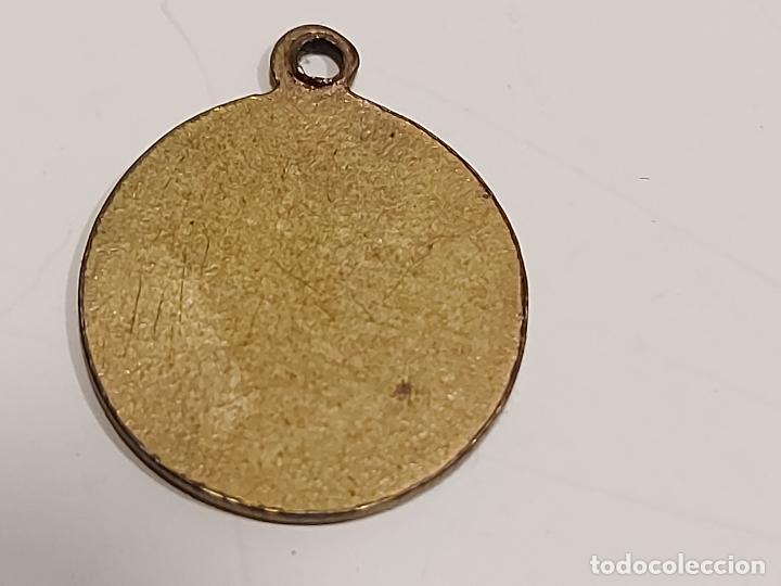 Medallas históricas: PEQUEÑA MEDALLITA ALFONSO XIII / POR LA G. DE DIOS / 13MM / SOLO 1 CARA. - Foto 2 - 273970108