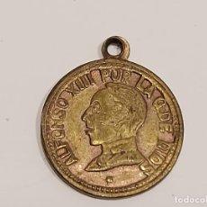 Medallas históricas: PEQUEÑA MEDALLITA ALFONSO XIII / POR LA G. DE DIOS / 13MM / SOLO 1 CARA.. Lote 273970108