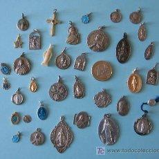 Medallas temáticas: 35 PIEZAS RELIGIOSAS CASI TODAS MEDALLAS ,, DE PLATA, ALUMINIO, ESMALTADAS DE TODO UN POCO. Lote 26666850