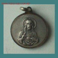 Medallas temáticas: MEDALLA DE PLATA DEL SAGRADO CORAZÓN DE JESÚS. Lote 26675276